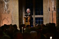 Akademiens preses Lisa Sennerby Forsse hälsade välkommen till banketten.