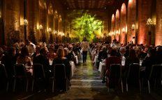 640 gäster njöt av maten i Gyllene salen.